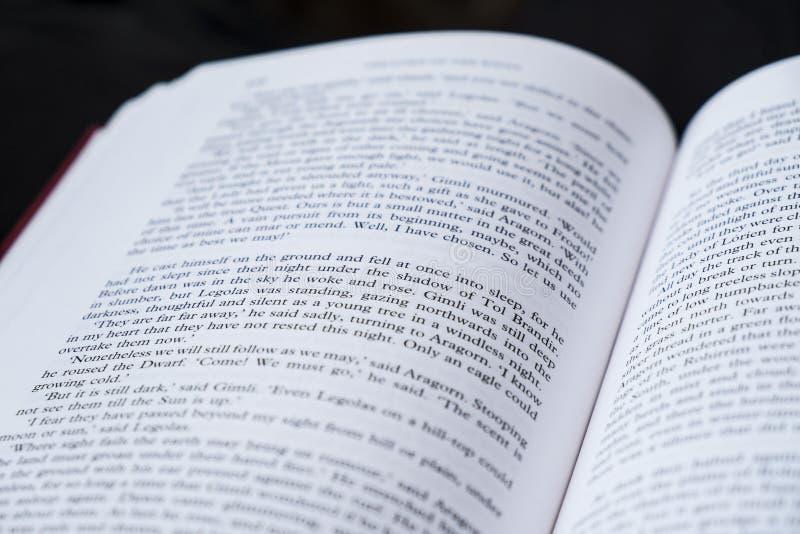 Download Libro abierto imagen editorial. Imagen de palabras, libro - 42445875