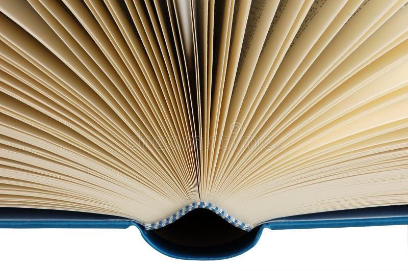 Libro abierto aislado en blanco con el recortes-camino fotos de archivo libres de regalías
