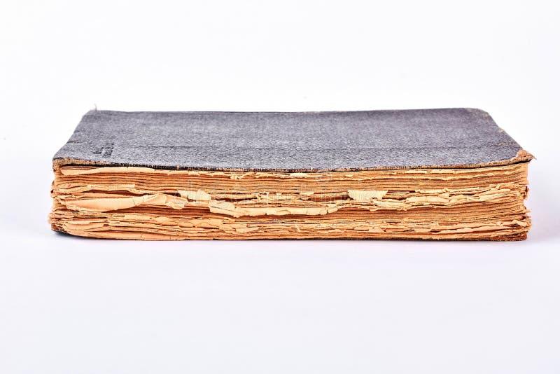 Libro antiguo con el hardcover imágenes de archivo libres de regalías