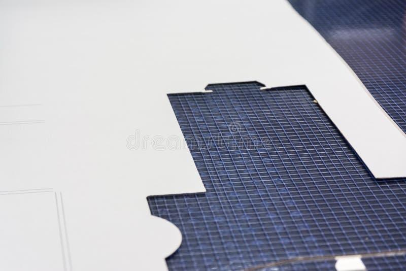 Libro Bianco del modello di taglio della carta della Tabella di griglia che imballa Equipmen immagine stock libera da diritti