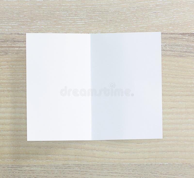 Libro Bianco sulla Tabella di legno di fondo immagini stock libere da diritti
