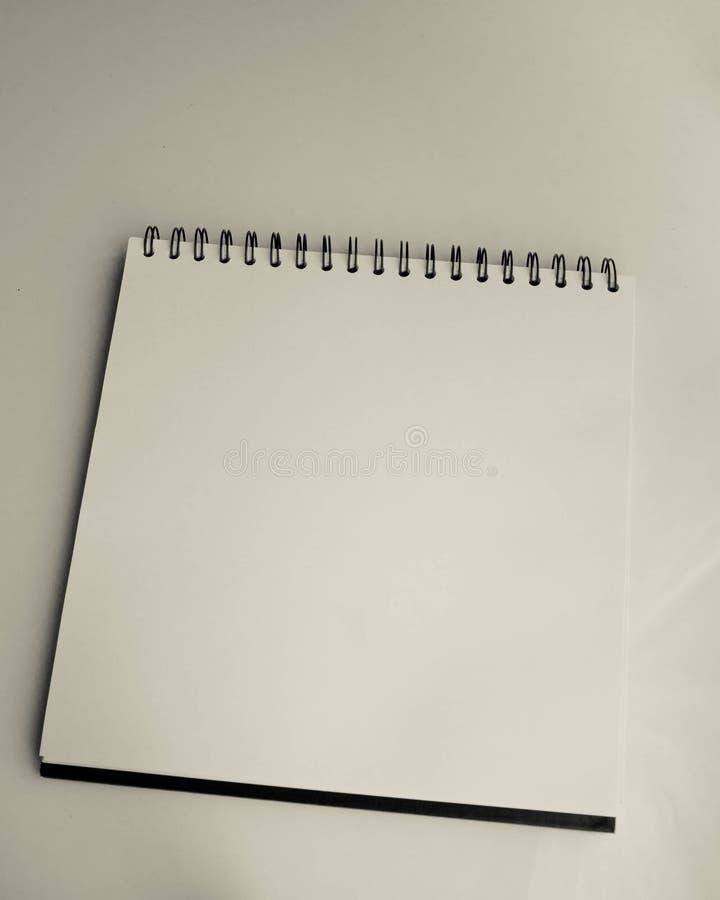 Libro blanco del bosquejo foto de archivo