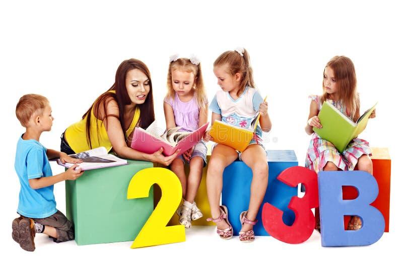 Libro de lectura de los niños imagen de archivo