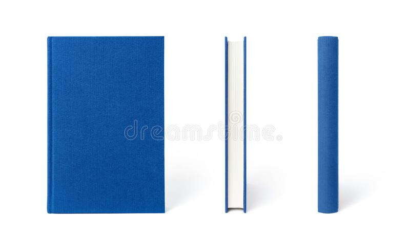 Libro de tapa dura derecho azul aislado, la visión desde tres ángulos imagenes de archivo