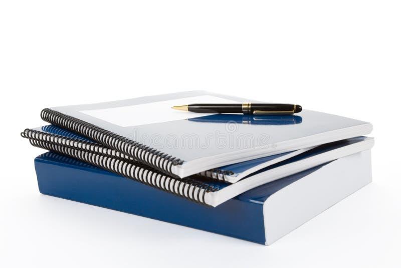Libro de textos azul de la escuela fotografía de archivo libre de regalías