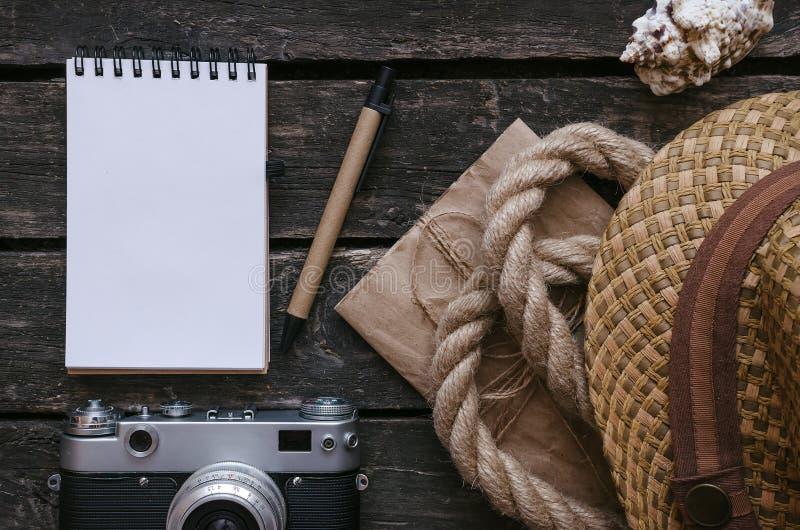 Libro del diario del turista o del aventurero Fondo de las vacaciones del mar imagen de archivo libre de regalías