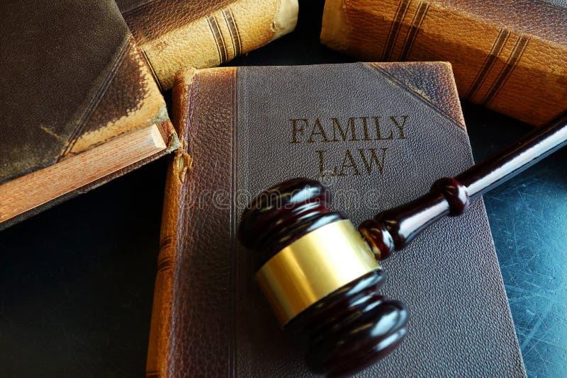 Libro di diritto di famiglia fotografia stock