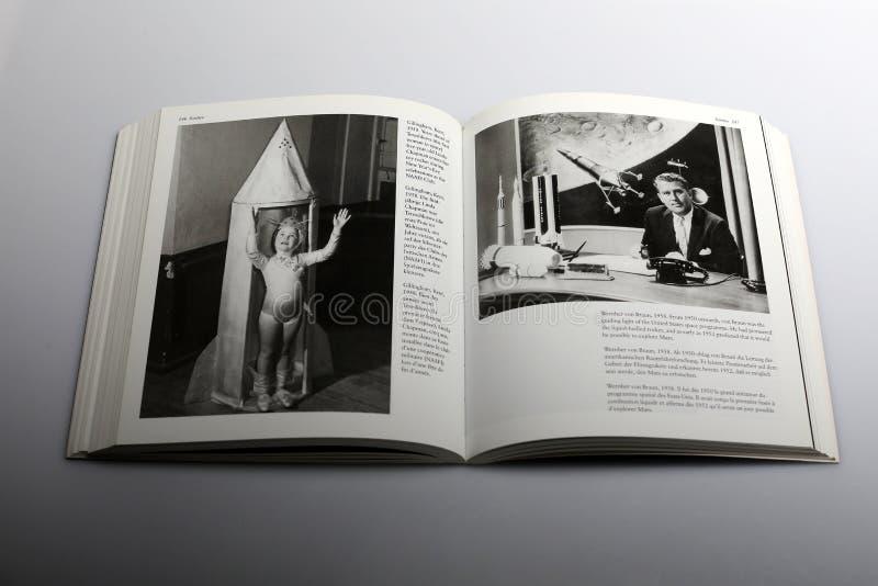 Libro di fotografia di Nick Yapp, Gillingham, Risonanza 1958, anni avanti di Tereshkova fotografia stock libera da diritti