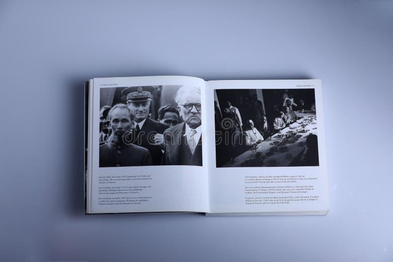 Libro di fotografia di Nick Yapp, Ho Chi Minh e Jawaharlal immagini stock