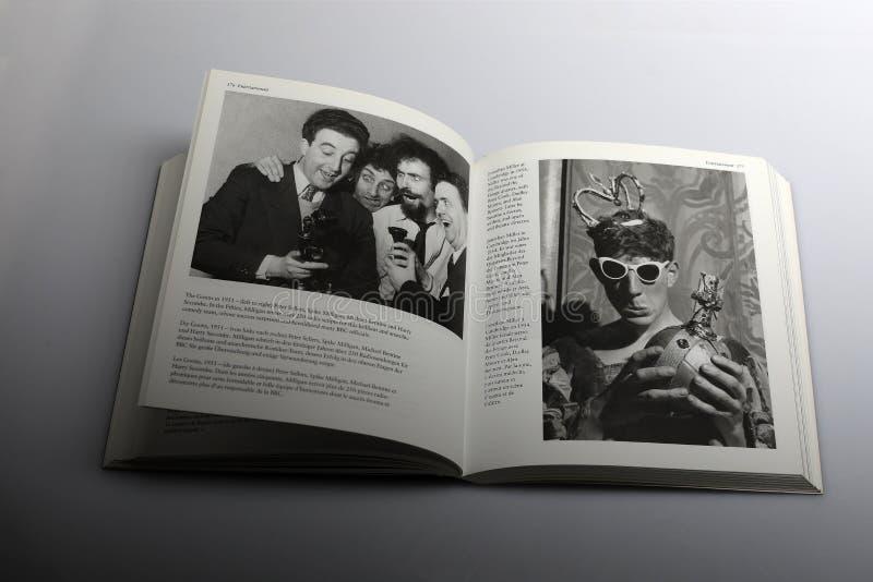 Libro di fotografia di Nick Yapp, Jonathan Miller a Cambridge nel 1954 fotografia stock