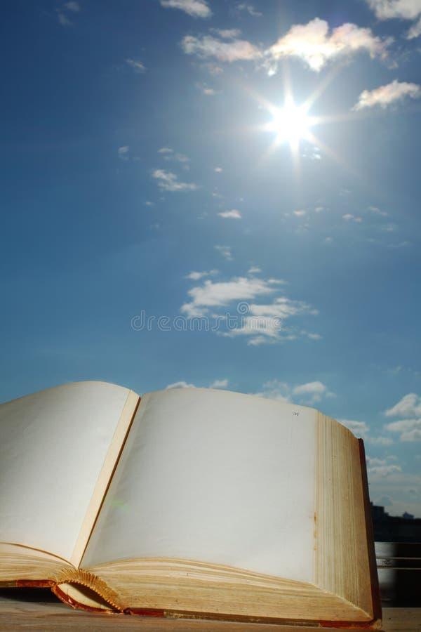 Libro di saggezza immagini stock libere da diritti
