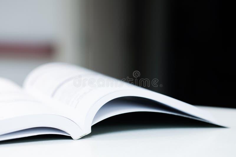 Libro di testo fotografie stock libere da diritti