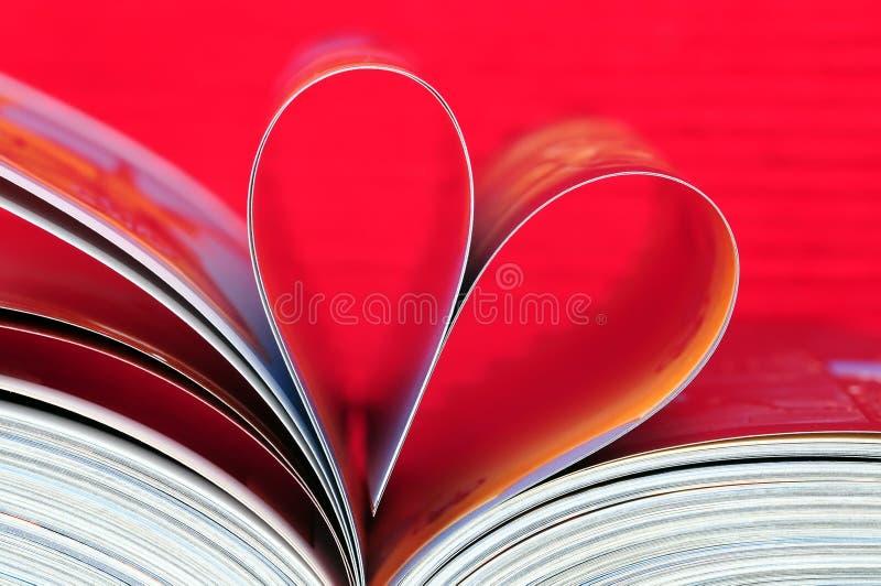 Libro en forma de corazón foto de archivo
