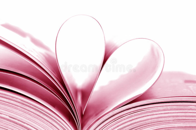 Libro en forma de corazón fotos de archivo