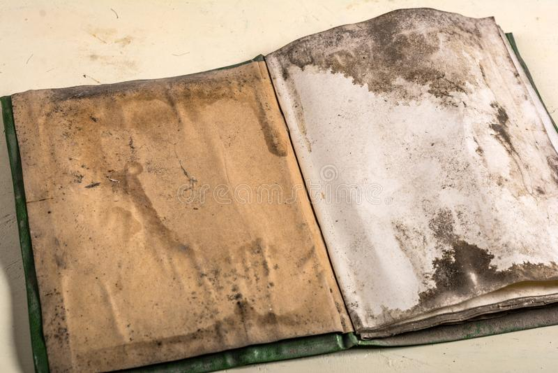 Libro lamentable antiguo fotografía de archivo libre de regalías