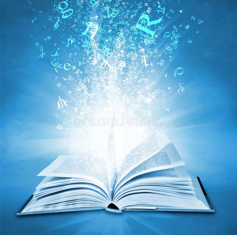 Libro magico royalty illustrazione gratis