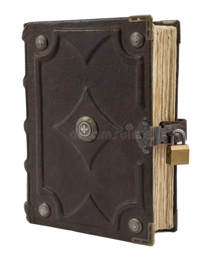 Libro viejo del vintage con la cubierta de cuero aislada en el fondo blanco fotos de archivo