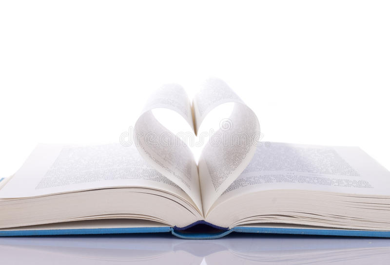 Libro y corazón imágenes de archivo libres de regalías