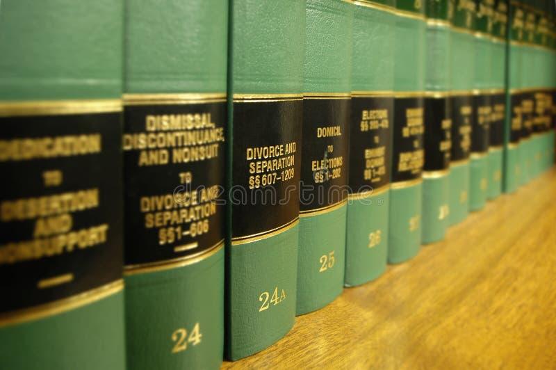 Libros de ley en divorcio fotos de archivo