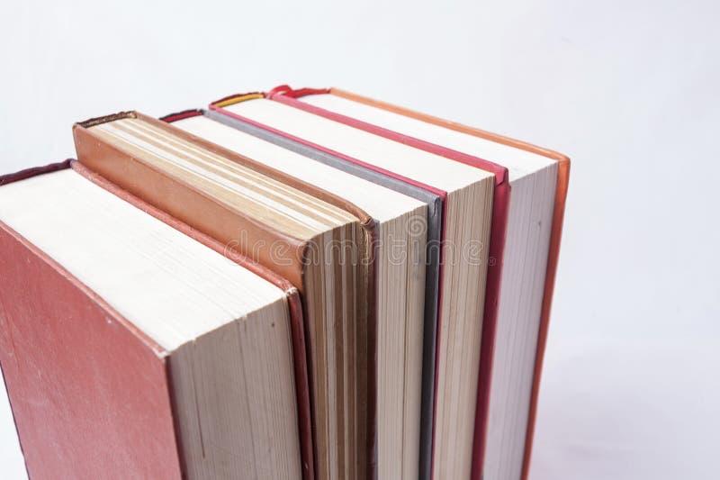 Libros en el fondo blanco fotografía de archivo libre de regalías