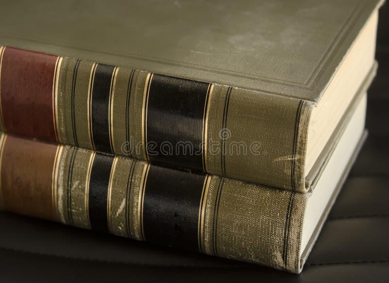 Libros legales de la vieja ley foto de archivo libre de regalías