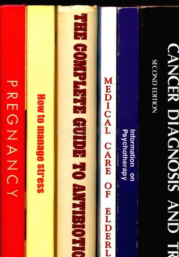 Libros médicos fotografía de archivo libre de regalías