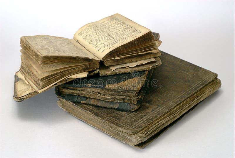 Libros religiosos viejos fotos de archivo libres de regalías