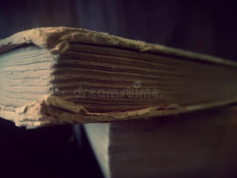 Libros viejos Papeles y cubiertas antiguos foto de archivo libre de regalías