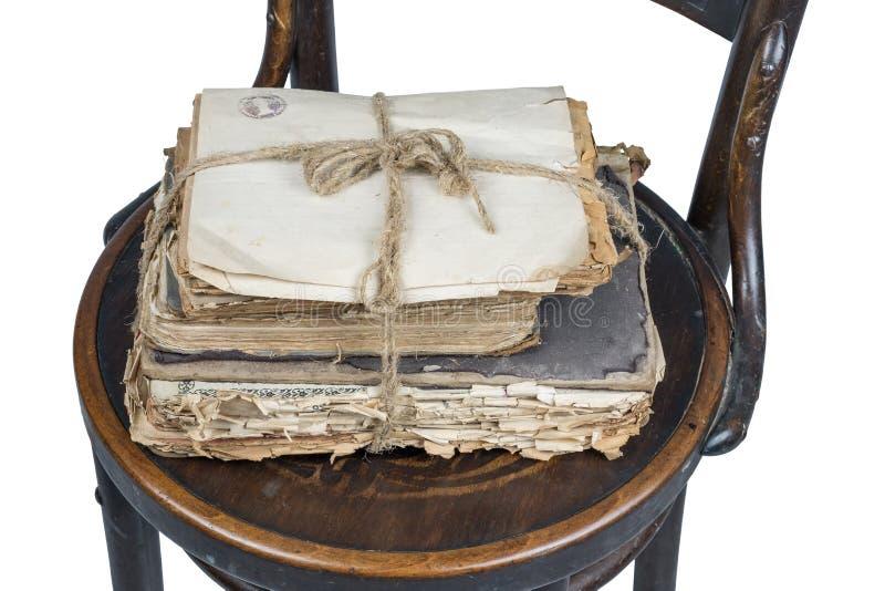 Libros viejos y papeles imagen de archivo libre de regalías