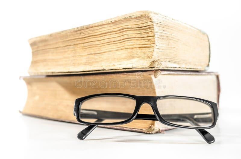 Libros y vidrios foto de archivo libre de regalías