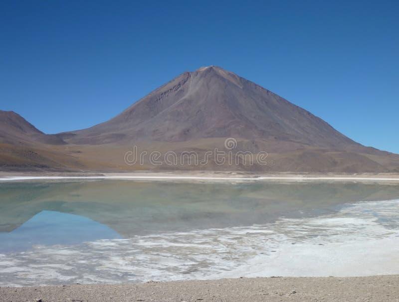 Licancabur Volcan на чилийской боливийской границе стоковое фото