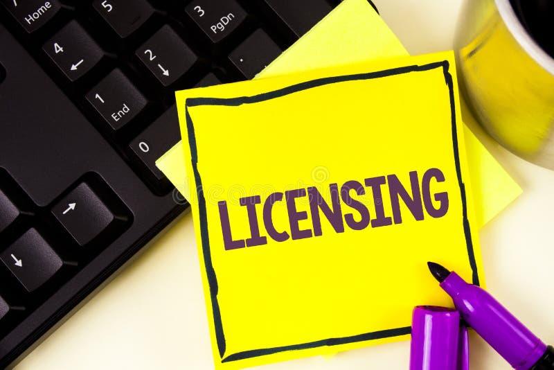 Licensera för handskrifttext Begreppsbetydelselånet ett tillstånd för licens bruket av något låter lagligt aktivitet som är skrif arkivbilder
