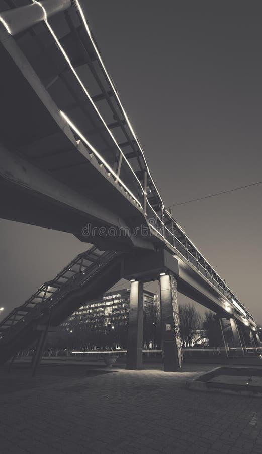 Licht-am Boden Brücke stockfotos