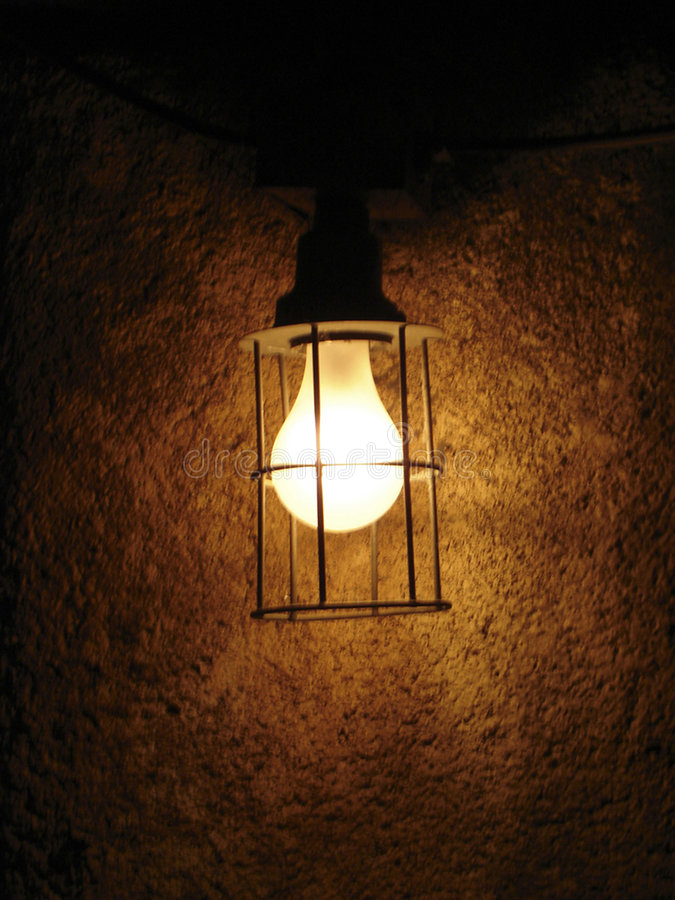 Licht in duisternis stock foto
