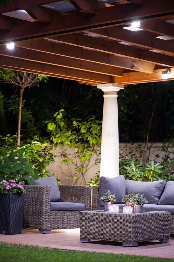 Licht en comfortabel terras royalty-vrije stock afbeeldingen