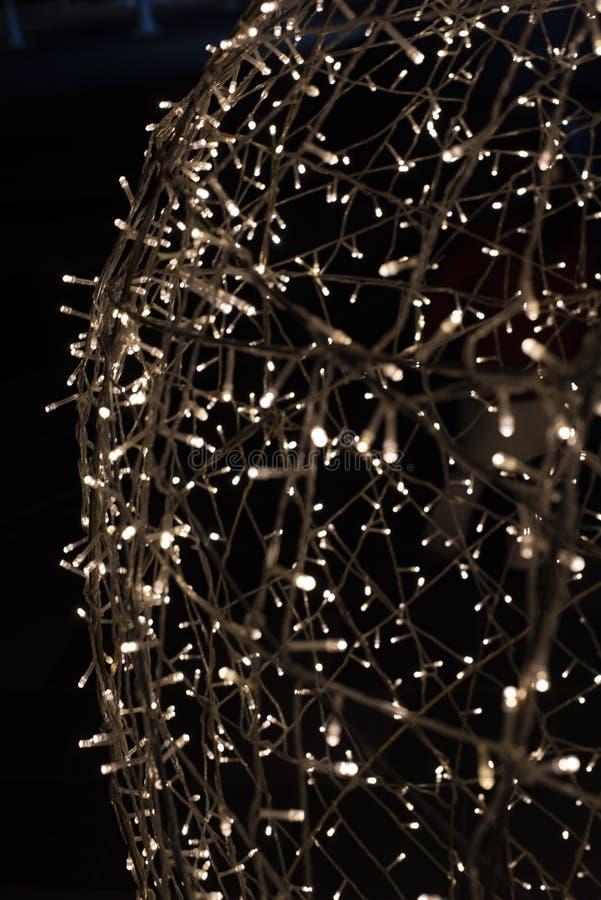 Licht gemalt durch die Bewegung einer Kamera beim Schießen auf den beleuchtenden Dekorationsröhrenblitz lizenzfreie stockbilder