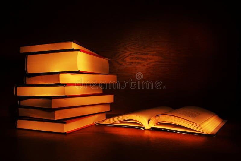 Licht geschilderde boeken royalty-vrije stock foto