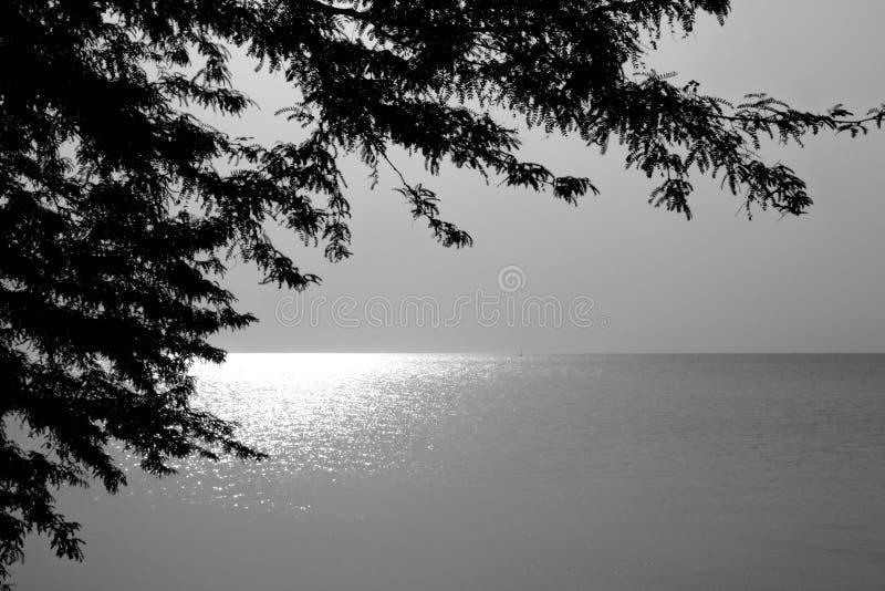 Licht op de horizon royalty-vrije stock afbeeldingen