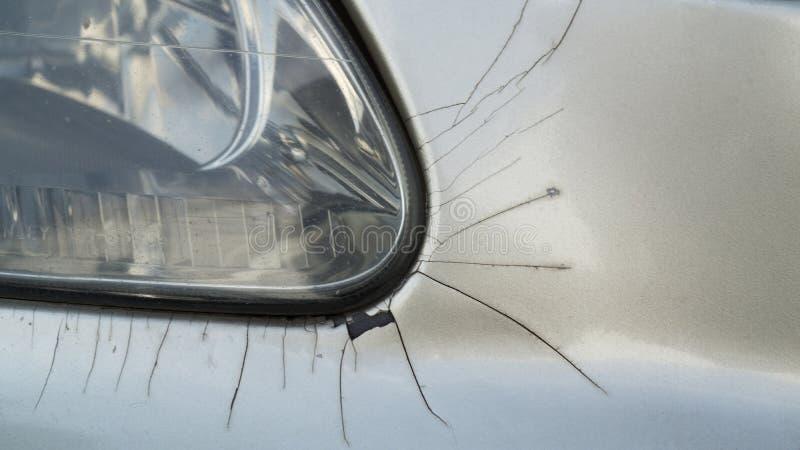 Licht van de close-up het oude voorauto met barst van kleur rond met rus royalty-vrije stock foto