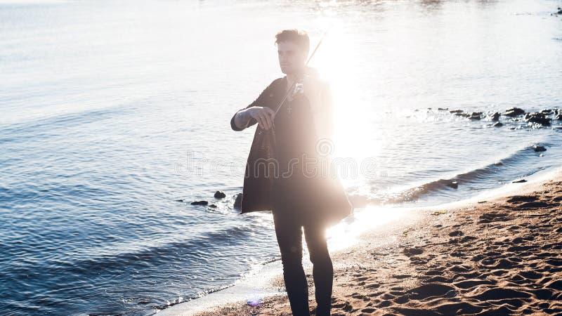 Licht van muziek Het concept, violist speelt bij stock foto's