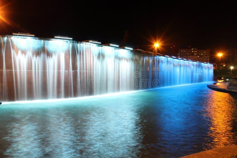 Lichte fonteinen in Paseo Santa Lucia stock afbeeldingen