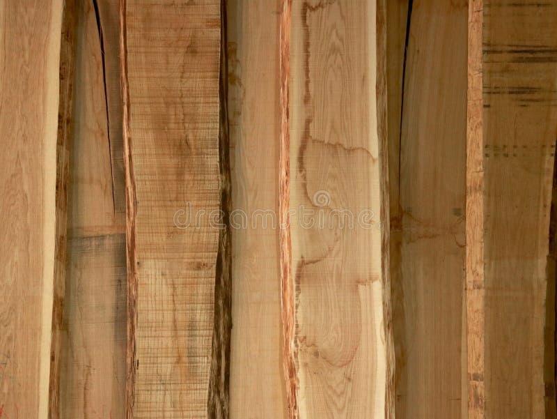 Lichte houten raad als achtergrond stock afbeeldingen