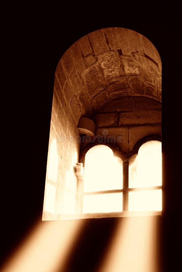 Lichte komst door het venster stock afbeeldingen