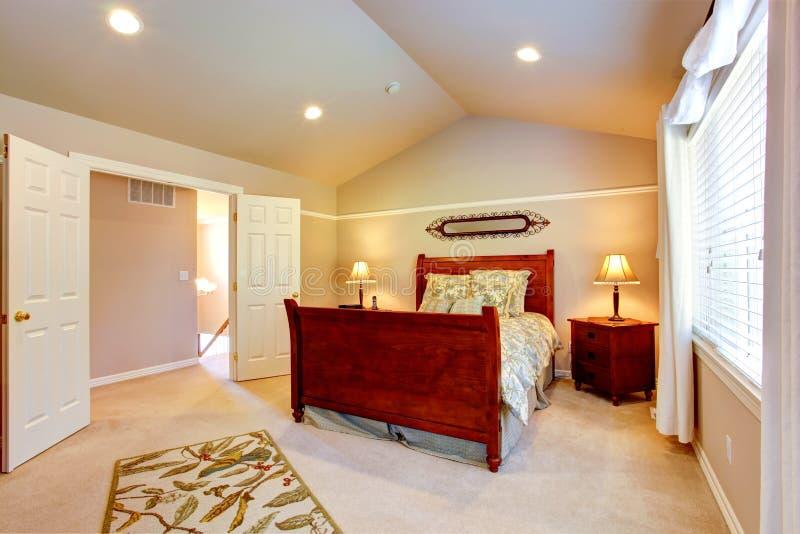 Slaapkamer Plafond Ideeen : Idee de plafond. good moderne woonkamer met betonvloer en plafond