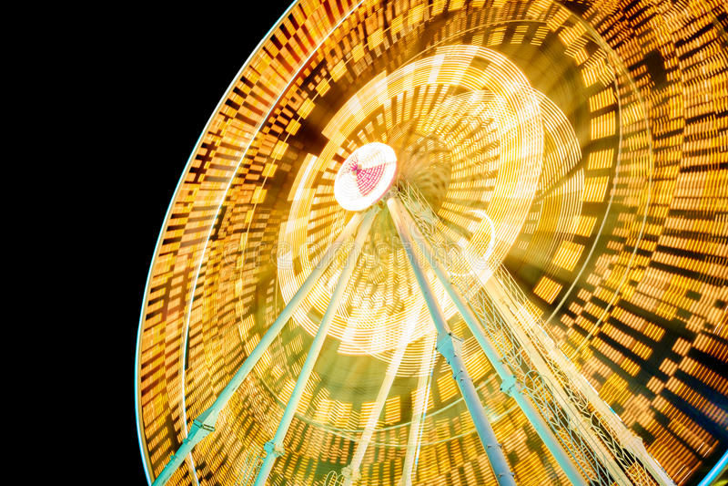 Lichte slepen op ferriswiel stock fotografie