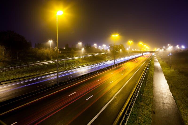 Lichte strepen van autosnelweg royalty-vrije stock foto