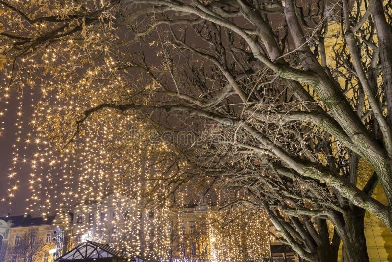 Lichten op een straat bij Komst stock afbeelding