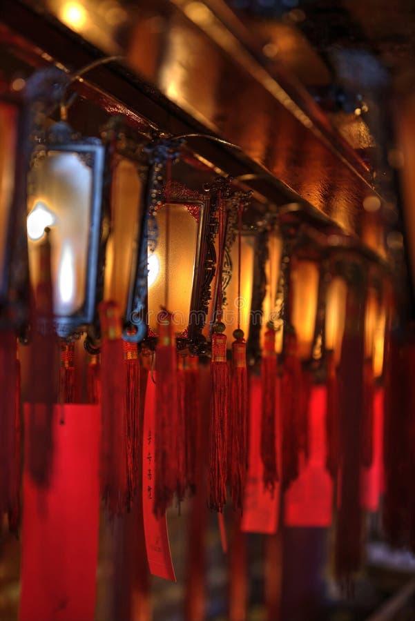 Lichten in Sheung Wan Man Mo Temple in Hong Kong stock afbeeldingen