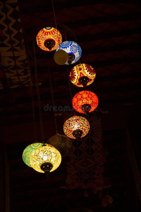 Lichten in Souq Waqif stock foto's