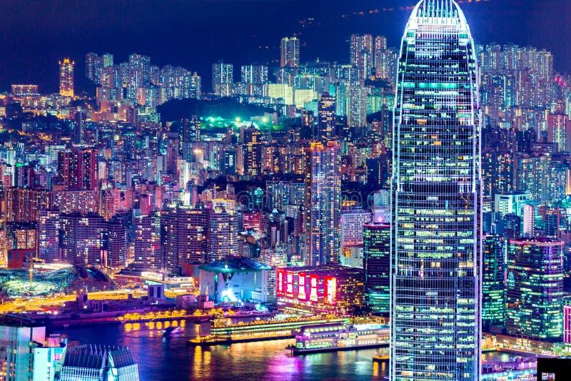Lichten van Hong Kong-stad bij nacht stock foto
